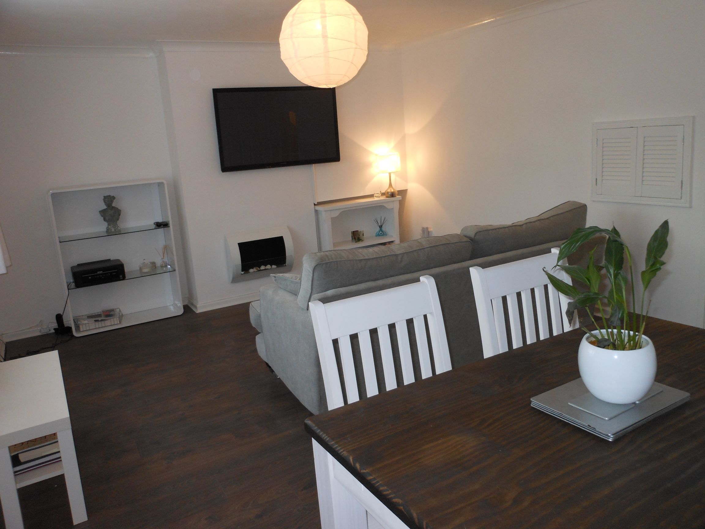 2 bedroom furnished flat with parking & courtyard, Eynesbury St Neots