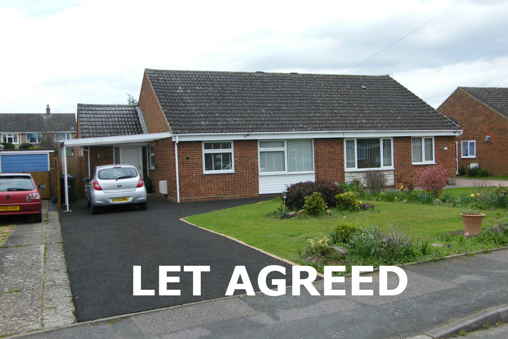 3 bedroom Bungalow to let in Little Paxton