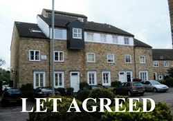 2 bedroom maisonette in St Neots - River Terrace, Market Square, PE19 2BG