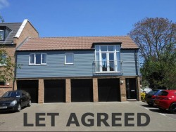 2 bedroom apartment to rent in village location - Samuel Jones Crescent, Little Paxton, PE19 6QZ