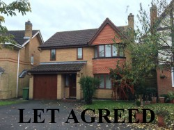4 bedroom detached house to rent Huntingdon - Wertheim Way, Stukeley Meadows, PE29 6UQ
