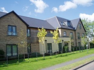 £850 PCMBrampton2 bedroom luxury apartment with parking