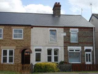 £650 PCMPeterborough2 bedroom house with en-suite, garden & parking