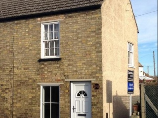 £500 PCMGodmanchester1 bedroom cottage with garden